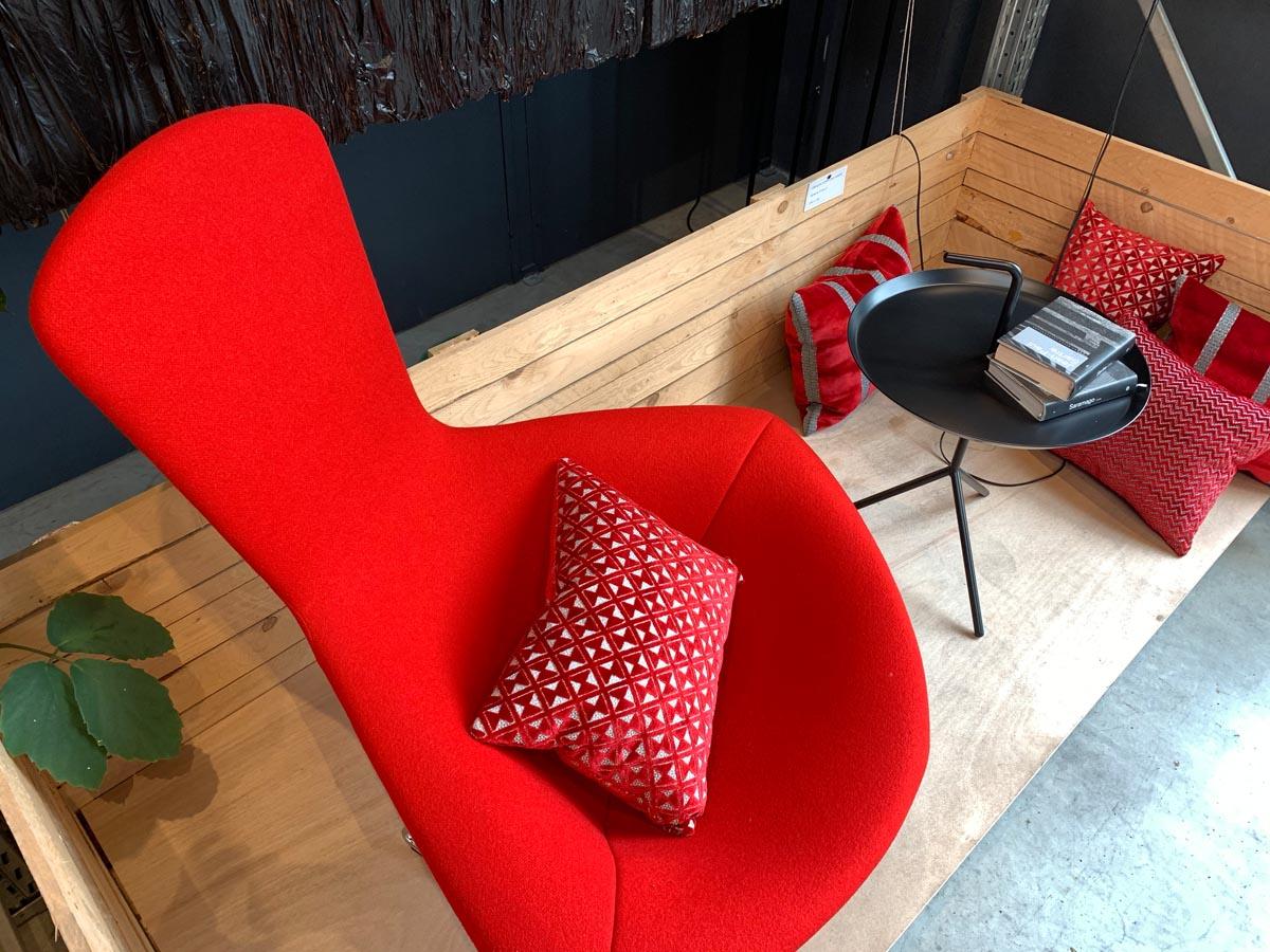 Poltrona rossa Bertona Knoll