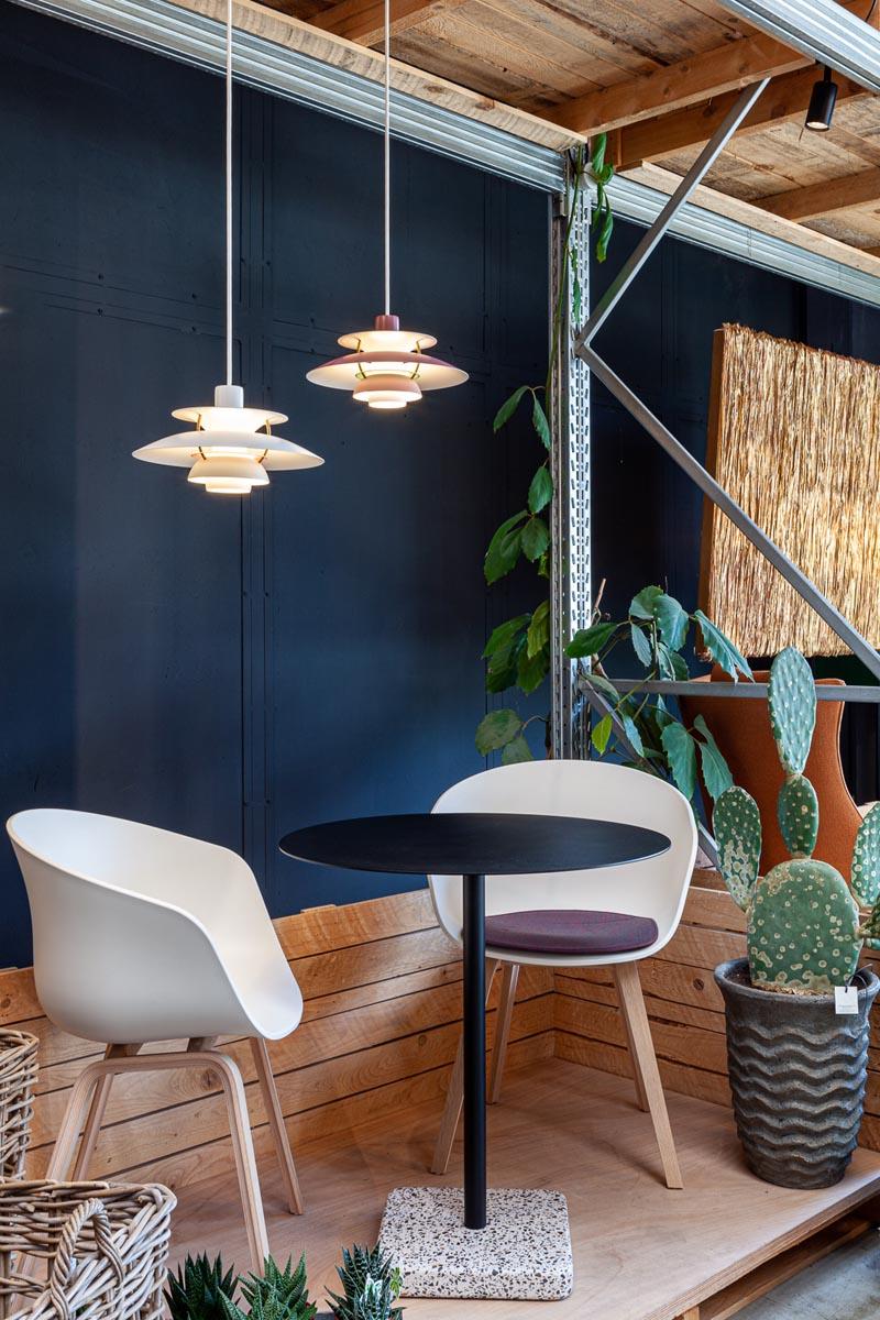 lampada ph5 Mini Poulsen e tavolino terrazzo table